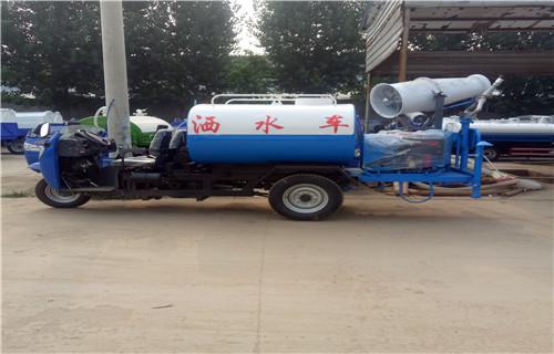 上海5吨洒水车罐体结实耐用