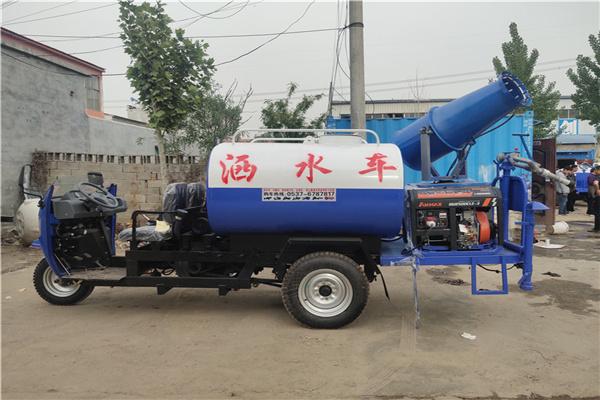 上海国六东风福瑞卡喷洒车工作速度快